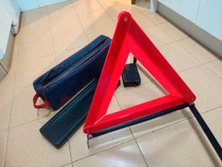Triángulos de avería con funda. Homologados.