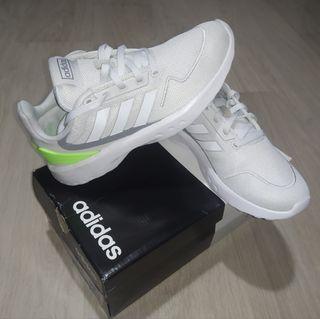 Zapatillas Adidas Niño 35,5 NUEVAS