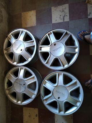 4llantas de aluminio de coche Dacia 195/50R15 82
