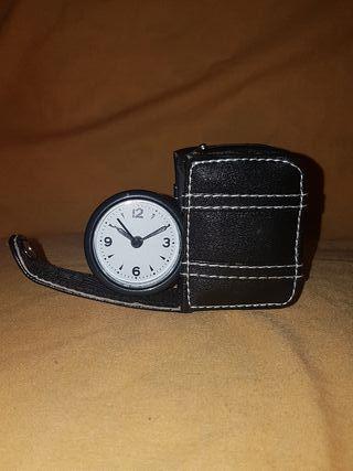 Reloj de viaje
