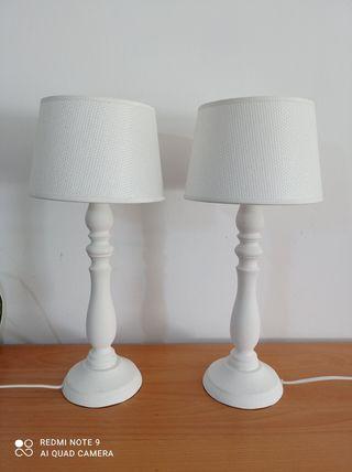 Lámparas de pie blancas