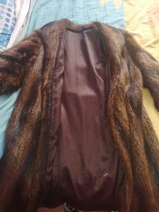 Abrigo de piel de nutria auténtico antiguo