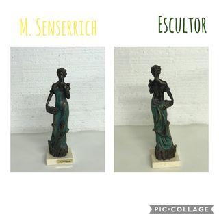 ESCULTURA M. SENSERRICH MUJER