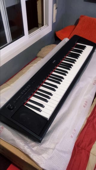 NUEVO Piano digital Yamaha Piaggero NP-12B