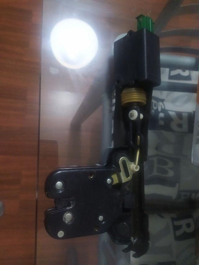 cerradura maletero TT mk1