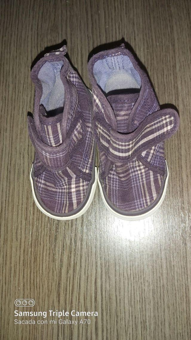 Zapatillas niño impecables