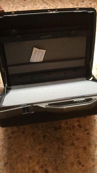 maleta rigida