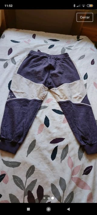 pantalón morado
