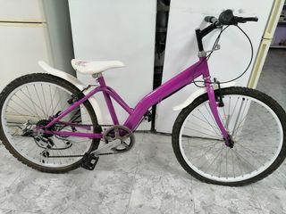 bicicleta para niña sin uso.