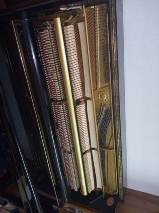 Piano acústico vertical Yamaha U1