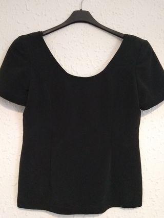 blusa negra fondo de armario talla 44 Nueva