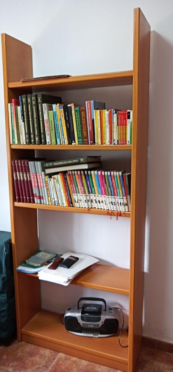 estanteria habitacion