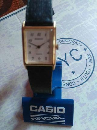 hola se vende reloj radiant de mujer