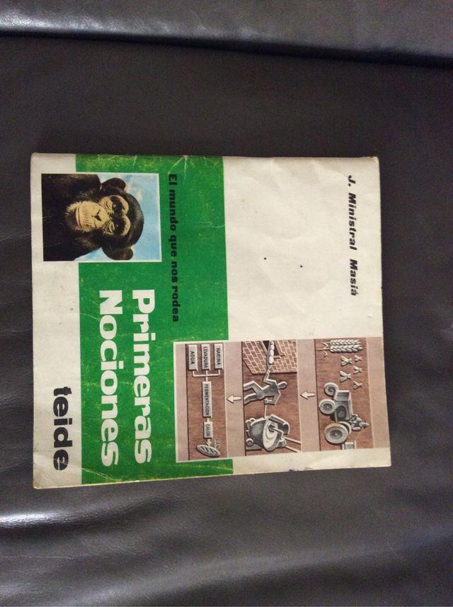 Antiguo libro escolar. Primeras Nociones.
