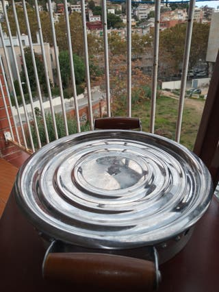 Braseros de mesa c/asas de madera o aluminio.