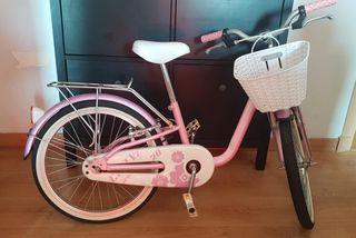 bicicleta de paseo de niña