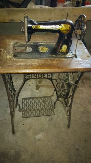 Antigua maquina de coser SINGER 1921