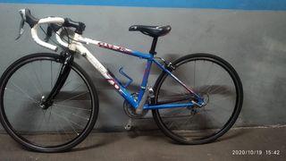 bicicleta carretera de niño