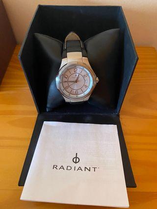 Reloj Radiant Clásico