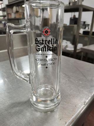 jarras de cerveza estrella galicia