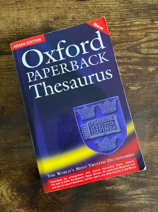Oxford Thesaurus diccionario monolingüe