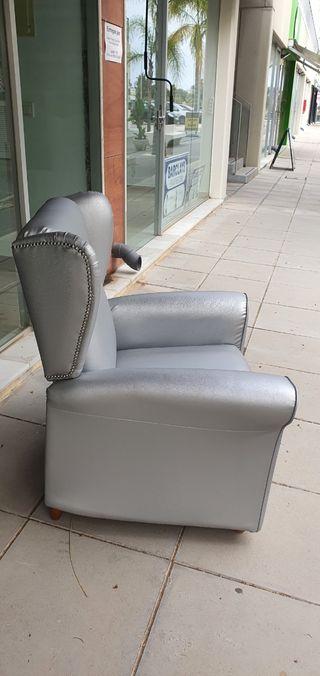 Una silla reclinable - Único ( Piel )