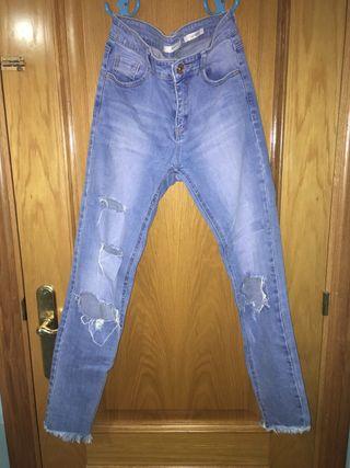 Pantalones con rotura talla 36