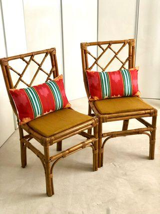 Pareja de sillas de bambú estilo Chippendale.