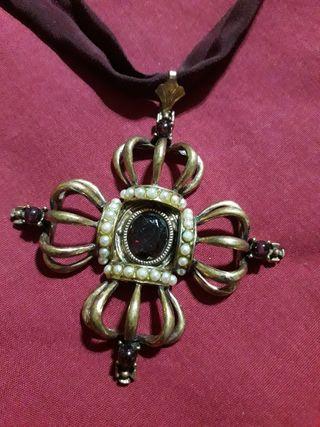 antiguo collar