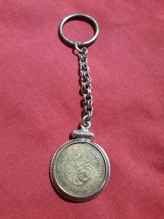 antiguo llavero moneda