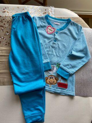 Pijama suave sin estrenar 5 años