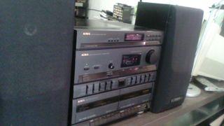 Equipo musica AIWA con cassette y entrada AUX
