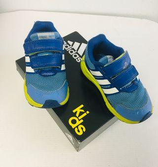 Zapatillas niño Adidas número 23