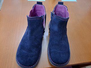 Botas de piel marca Pablosky