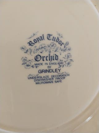 Vajilla Royal Tudor, Orchid
