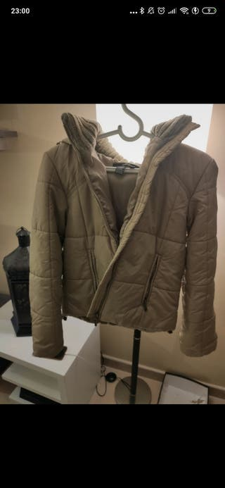 chaqueta/cazadora beige acolchada Zara