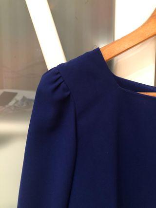Blusa azul francia