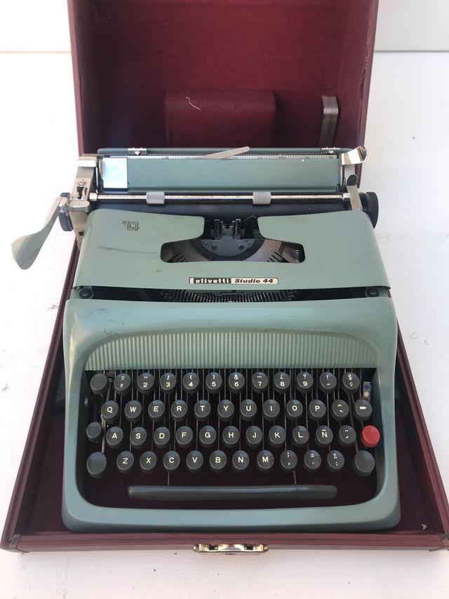 Máquina escribir olivetti studio 45