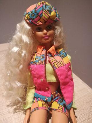 Barbie pelo rizado