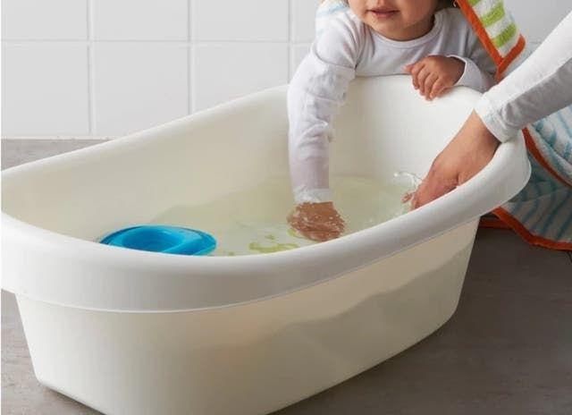 Bañera bebe Ikea (y orinal de regalo)