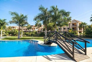 Apartamento en alquiler en Puerto Banús en Marbella