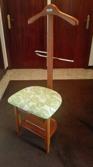 Galán en madera con cajón y asiento tapizado