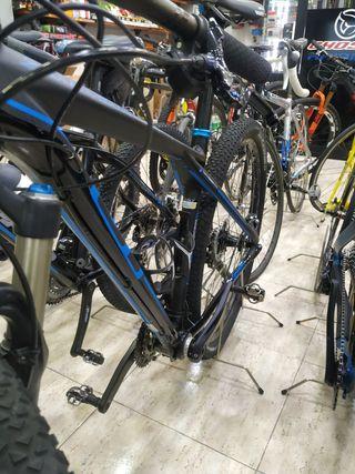 """bicicleta de montaña GT pro de carbono 29"""" talla S"""