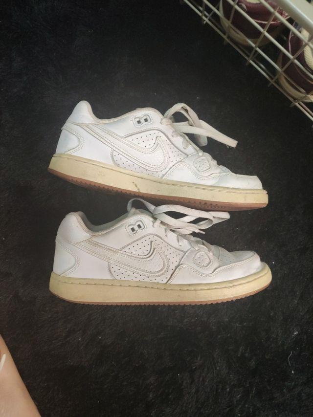 Colaborar con sueño Año Nuevo Lunar  Zapatillas Nike Air Force blancas originales de segunda mano por 4 € en  Valencia en WALLAPOP