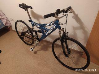 bicicleta de montaña y carretera