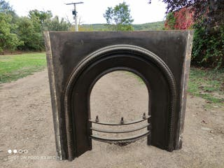 Frontal chimenea de fundición