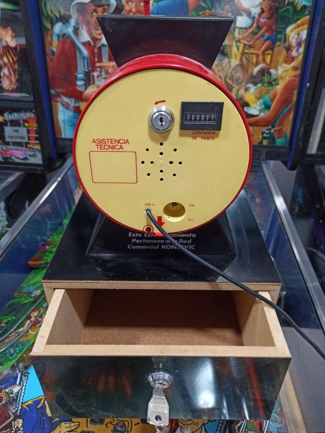 maquina recreativa bote monedas