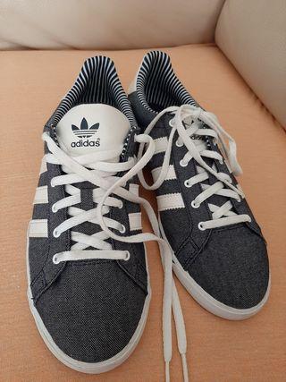 Bambas originales Adidas mujer.