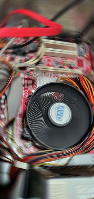 Placa base MSI ,procesador y memorias