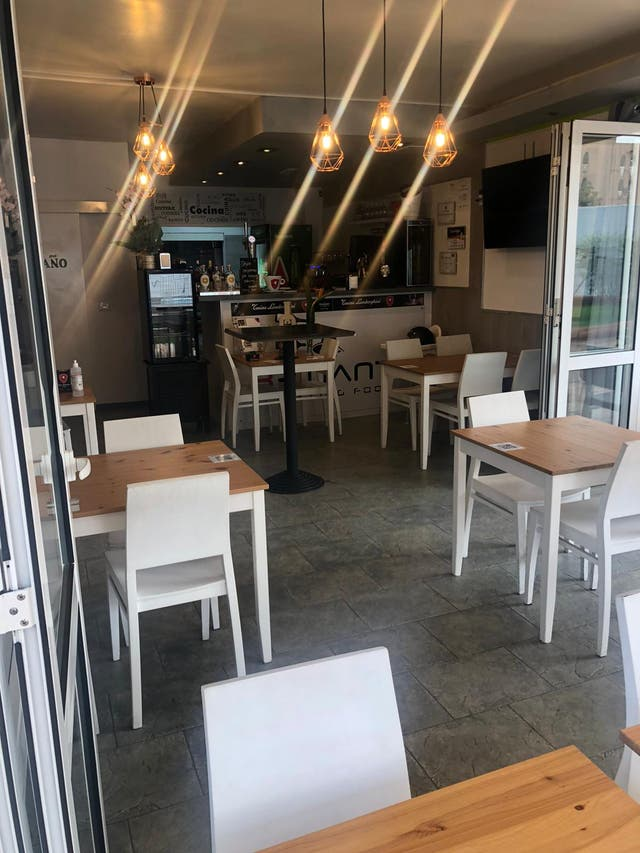 Restaurant started, looking 4partner chef with In
